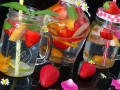 Освежаваща плодова детокс вода