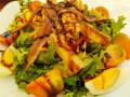 Свежа салата с риба тон, аншоа и аспержи