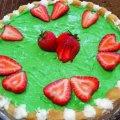 Бишкотена торта с ягоди и ментов сироп