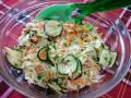 Хрупкава салата с пролетно зеле