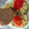 Сандвичи с яйце и авокадо