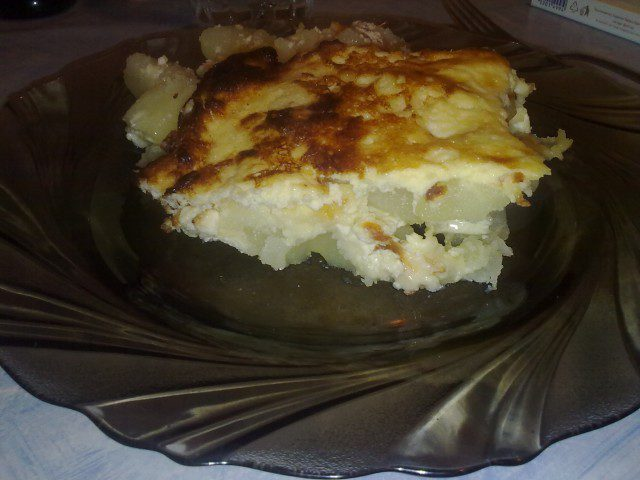 Огретен с картофи и сирене