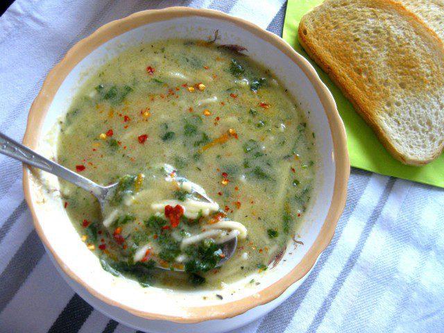 Спаначена супа с фиде
