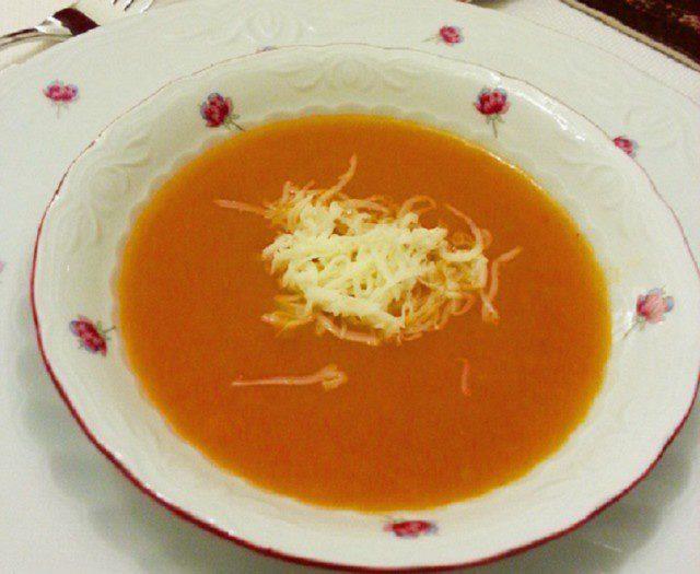 Зеленчукова крем супа с жълтък