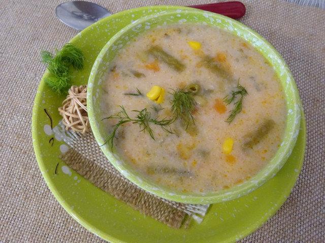 Супа от тиквички и зелен фасул