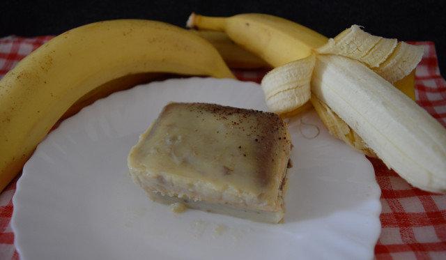 Бисквитена торта с бананов крем