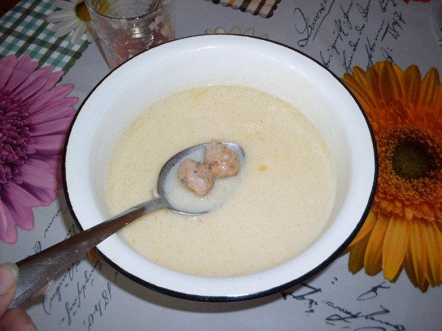 Бабината супа топчета със застройка