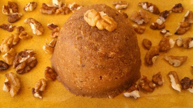 Сладък царевичен грис с орехи