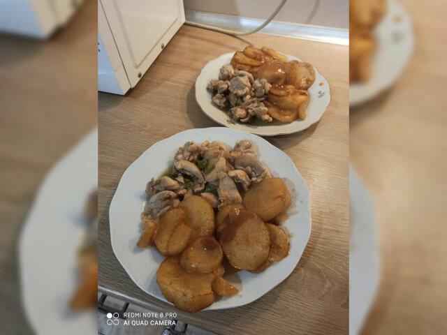 Бирено пиле с бирени картофи
