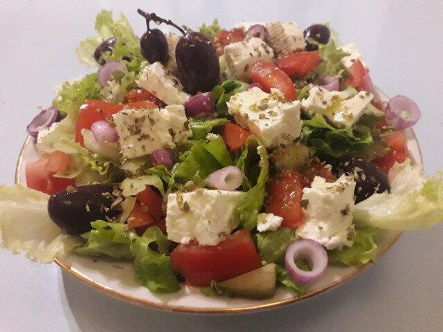 Гръцка салата с маруля