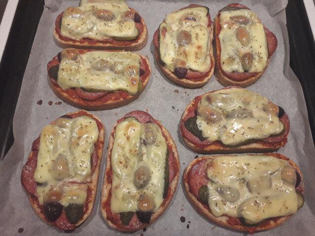 Мъжки пица сандвичи