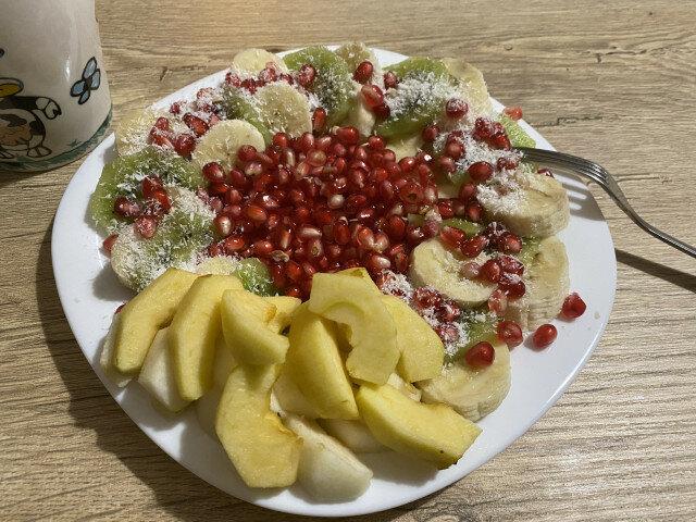 Зимна плодова салата Сърце