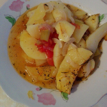 Картофена манджа с червени чушки